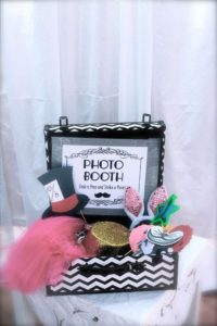 alice in wonderland photo booth