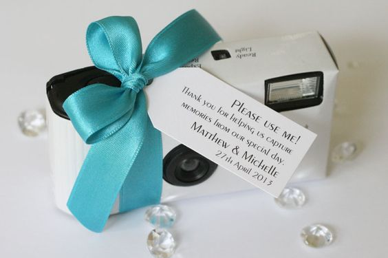 disposable cameras wedding idea