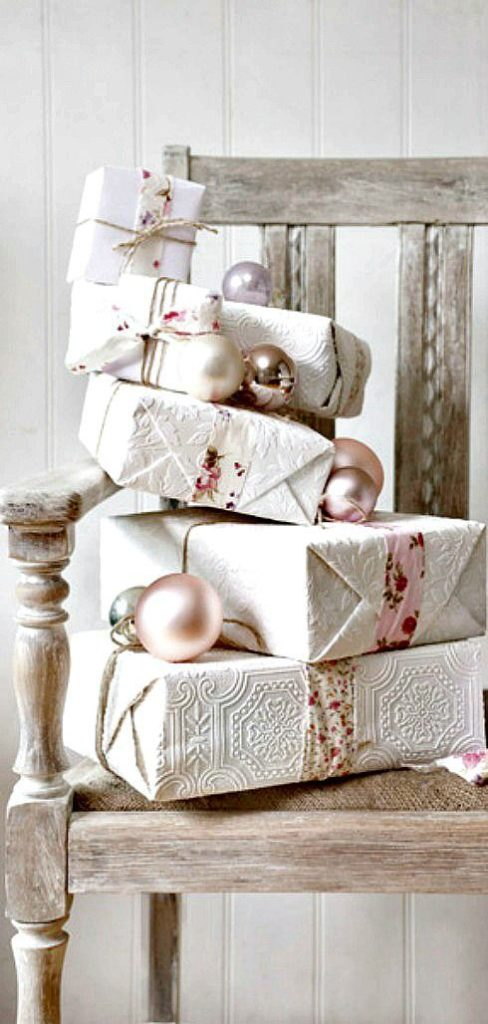 wallpaper gift wrapping
